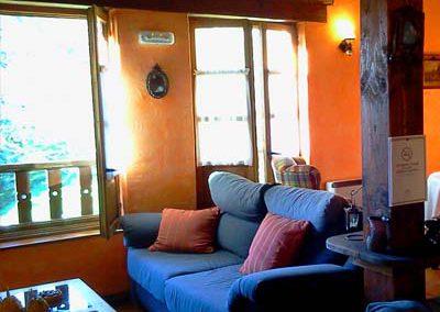 SALON HOTEL RURAL CERCA DE LLANES